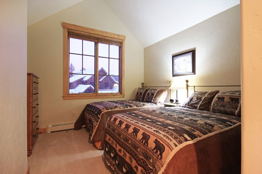 Mountain Thunder: Guest Bedroom