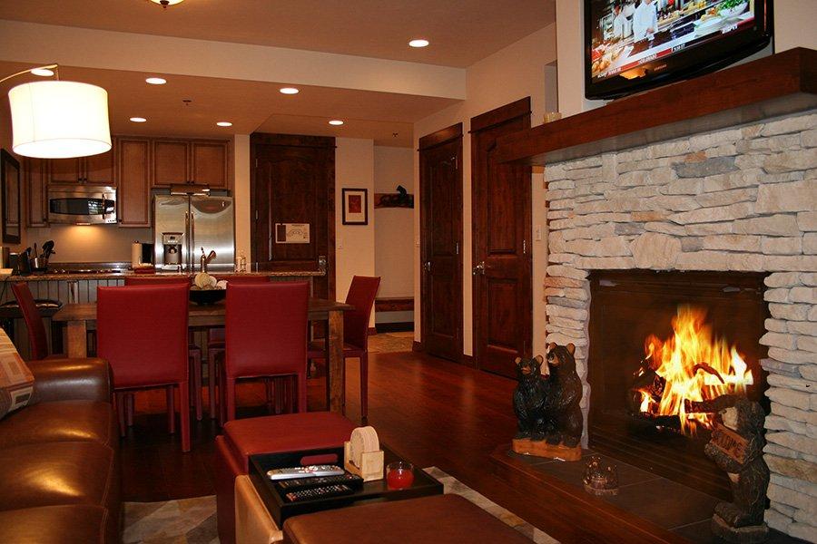 BlueSky 511 Condo: Fireplace