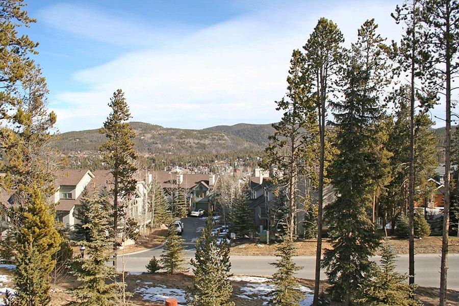 BlueSky 511 Condo: View from Balcony