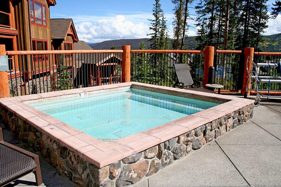 BlueSky 511 Condo: Hot Tub and Pool