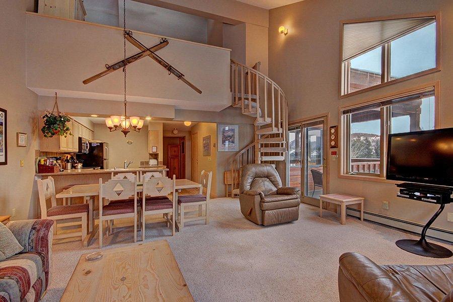 2 Bedroom Plus Loft Ski-in Ski-out Breckenridge