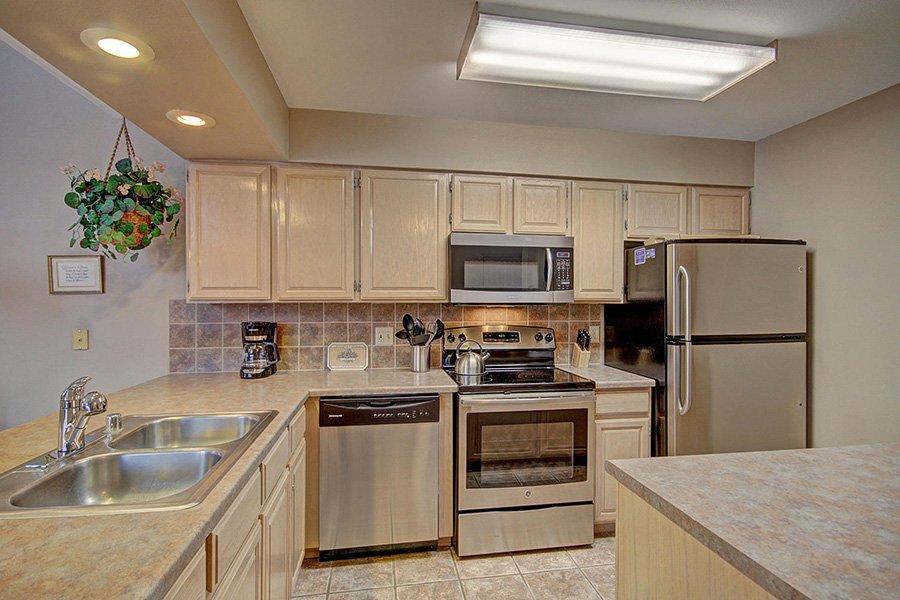Tyra Stream 339 Condo: Additional Kitchen View