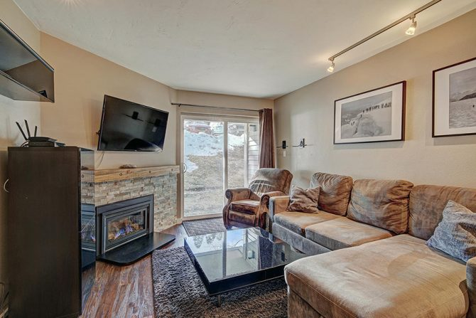 2 Bedroom Ski-in Ski-Out Condo