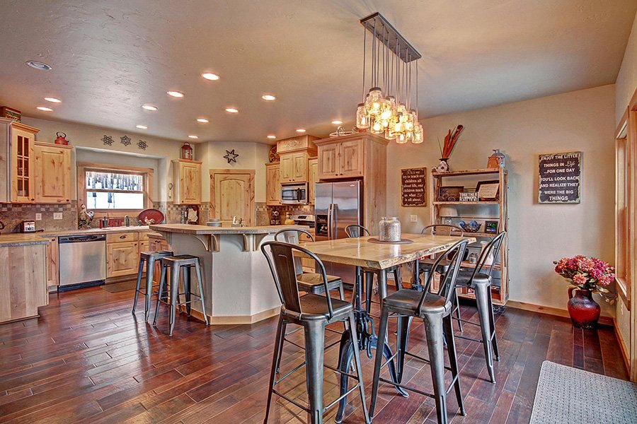 Serenity at Timber Creek: Kitchen/Dining Area