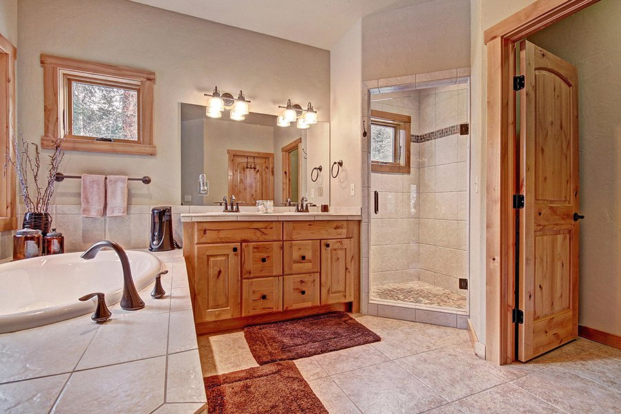 Serenity at Timber Creek: Master Suite Bathroom