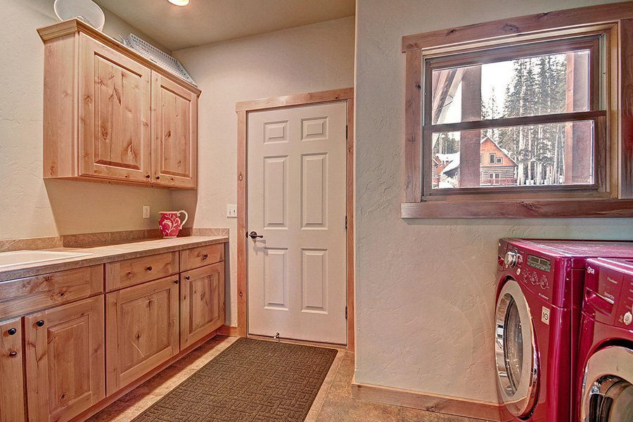 Serenity at Timber Creek: Laundry Room