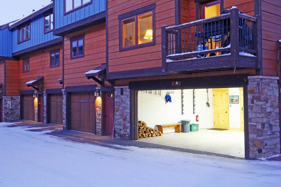Winterpoint 9 Townhome: Exterior View of Garage