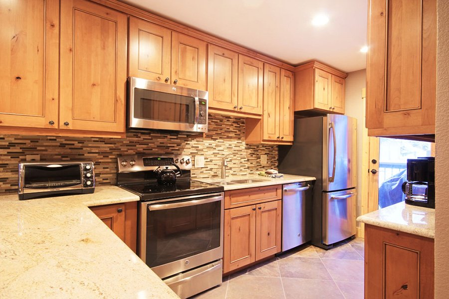 Winterpoint 9 Townhome: Fully Stocked Kitchen