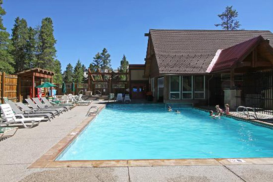 Winterpoint 9 Townhome: Village at Breckenridge Outdoor Pool