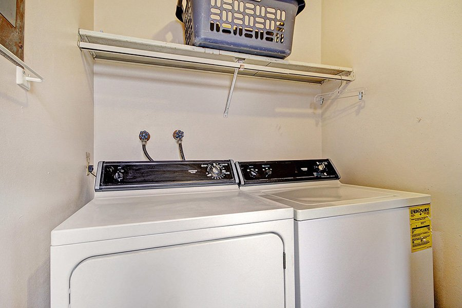 Claimjumper Condo 30: Washer & Dryer