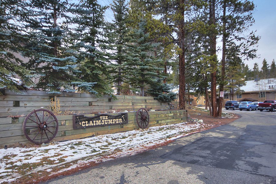 Claimjumper Condo 30: The Claimjumper Townhomes