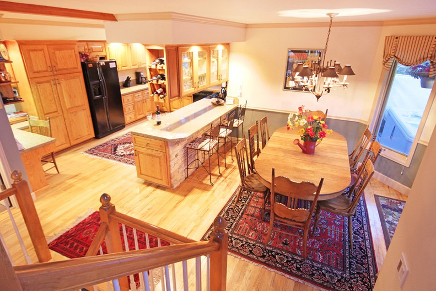 Lincoln Place Chalet: Kitchen/Dining Area