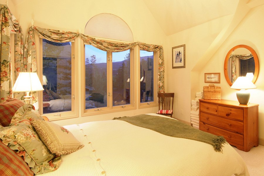 Lincoln Place Chalet: Upper Level Guest Bedroom #2