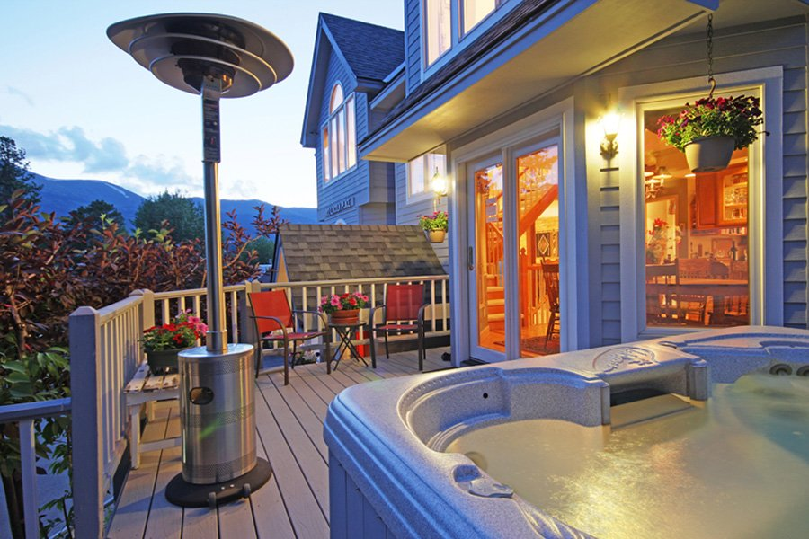 Lincoln Place Chalet: Deck