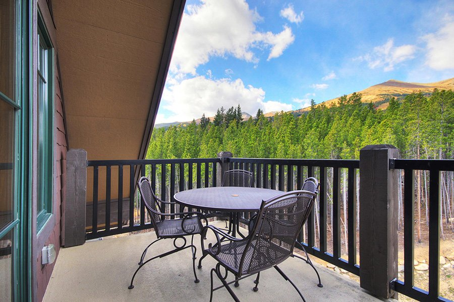 Crystal Peak Lodge: Penthouse Deck