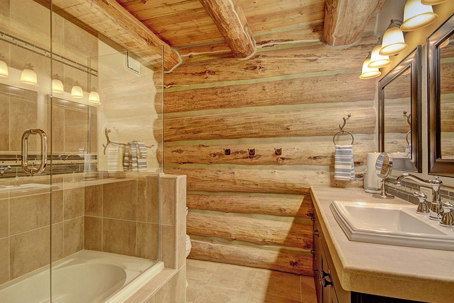 Peaceful Pines Lodge: Main Level Guest Bathroom