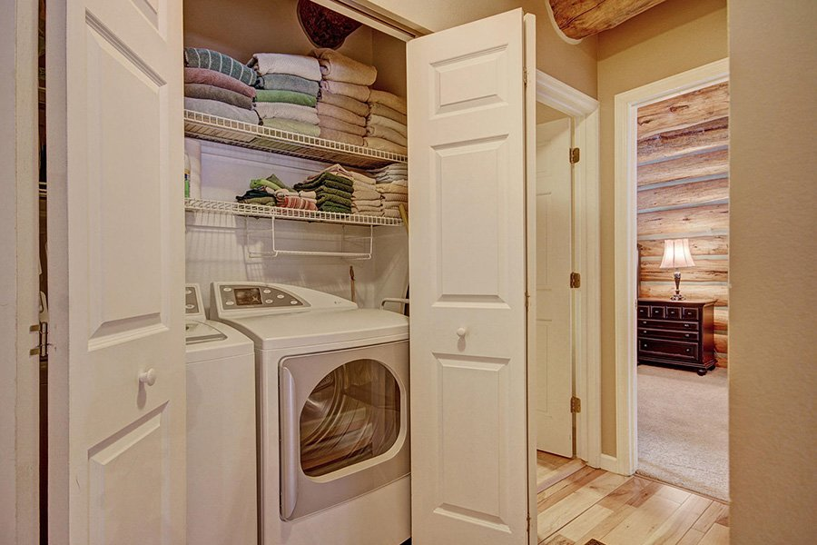 Peaceful Pines Lodge: Washer and Dryer