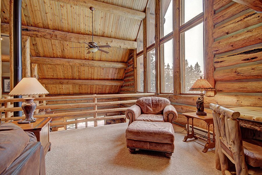 Peaceful Pines Lodge: Loft Area