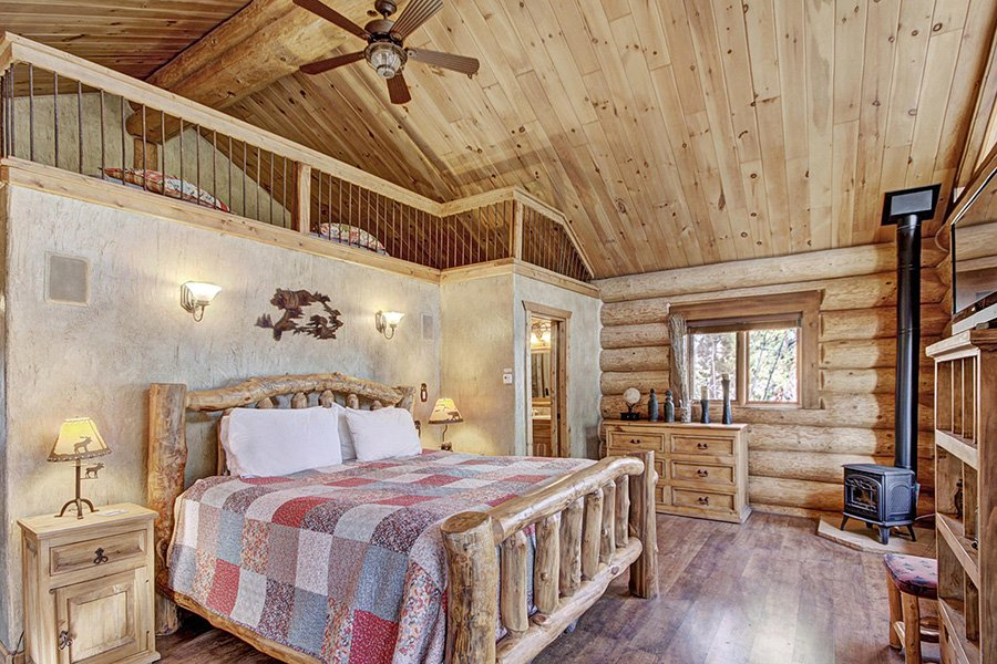 The Bear Cabin: Main Floor Master Bedroom
