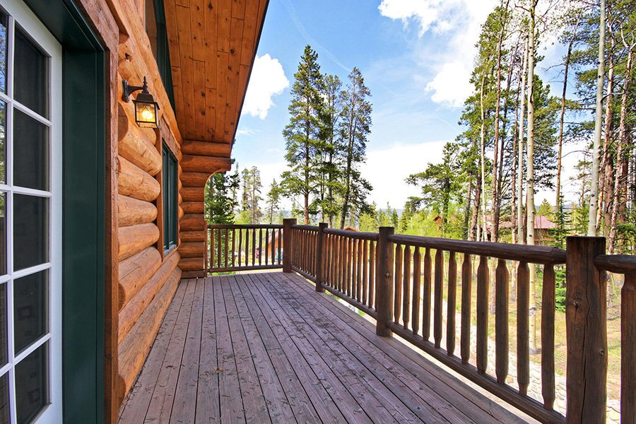 The Bear Cabin: Master Bedroom Balcony