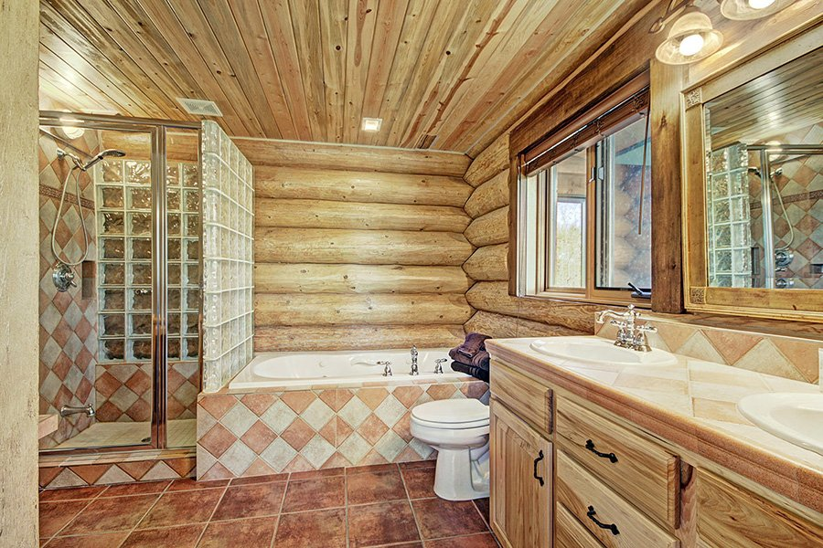 The Bear Cabin: Master Bedroom Bathroom