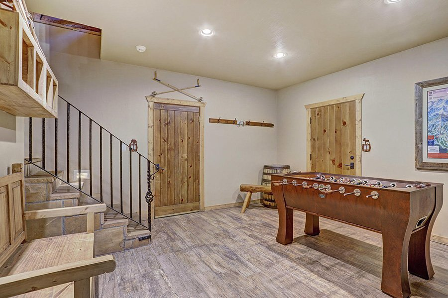 The Bear Cabin: Lower Level Game Room
