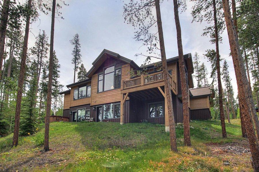 Moose Crossing Lodge: Exterior Rear View