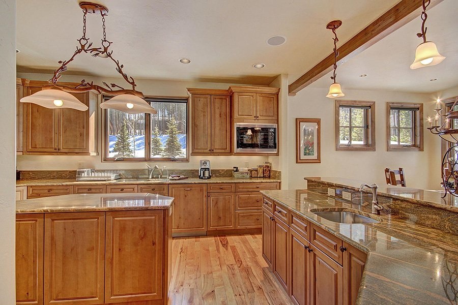 Ski Hill Lodge: Kitchen