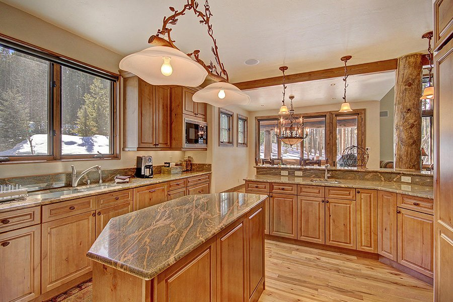 Ski Hill Lodge: Kitchen Additional View