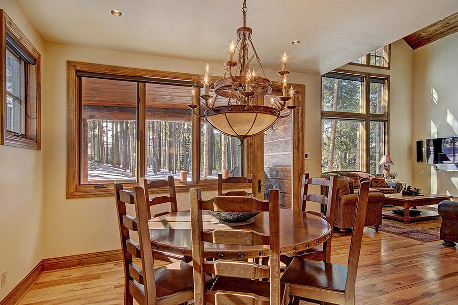 Ski Hill Lodge: Dining Area