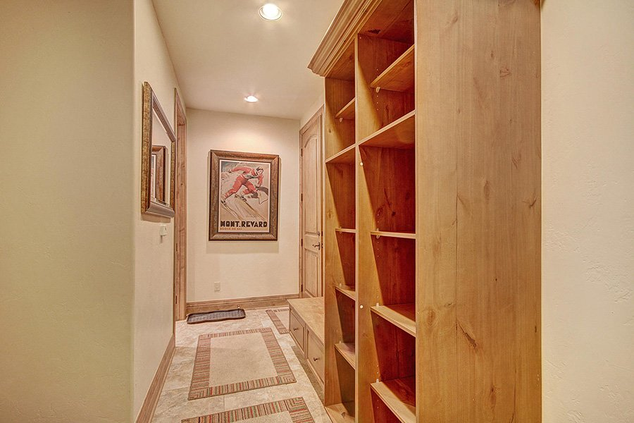 Ski Hill Lodge: Mudroom