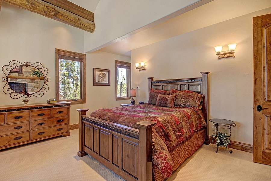 Ski Hill Lodge: Master Bedroom