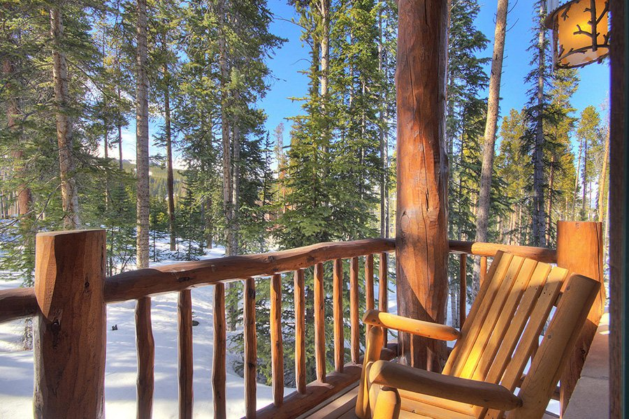 Ski Hill Lodge: Master Bedroom Balcony