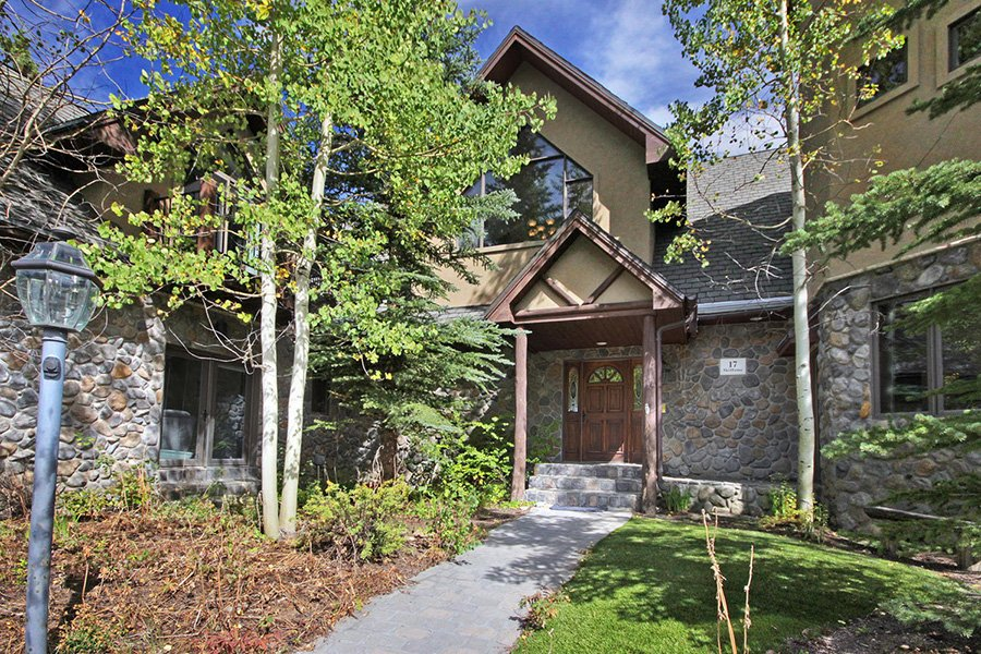6 Bedroom Ski-in Ski-out Peak 8 Vacation Rental
