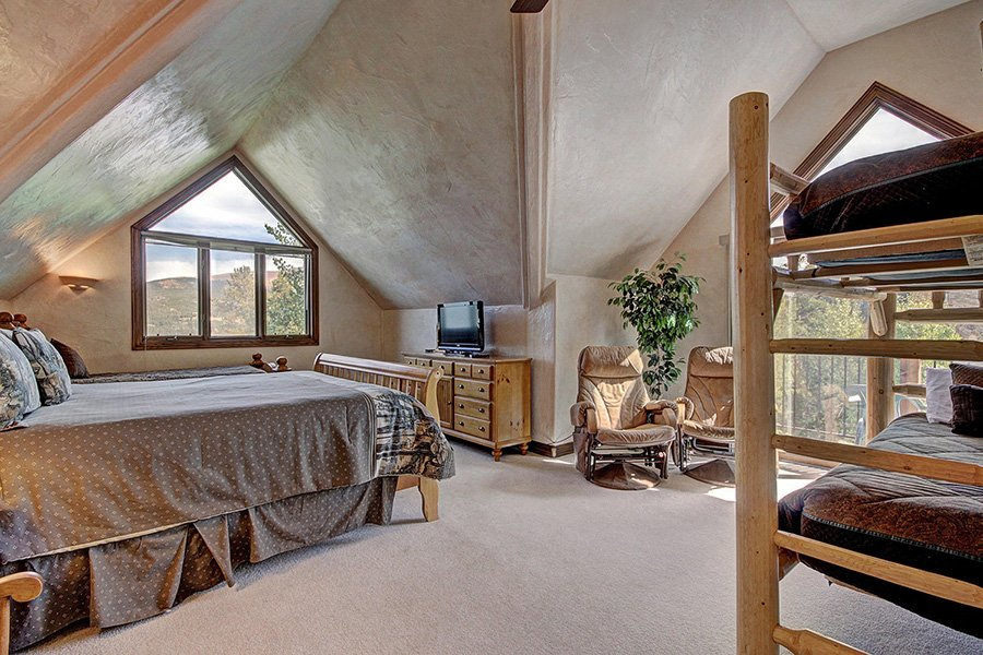 Ski Home Castle: Upper Level Guest Bedroom #4