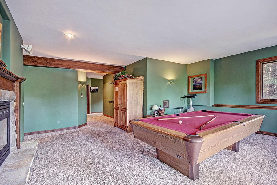 Ski Home Castle: Lower Level Game Room