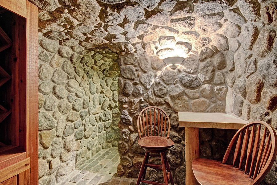 Ski Home Castle: Wine Cellar