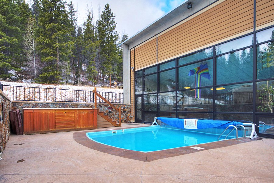 Claimjumper Condo 22: Outdoor View of Pool