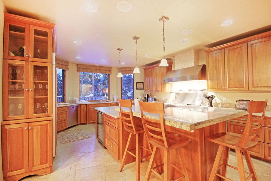 Trail View Lodge: Extra Large Kitchen