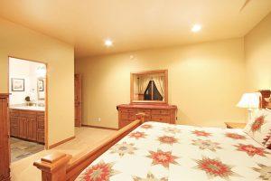 Master Suite #2 with En-suite Bath