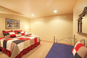 Master Suite #3 with Queen Bed