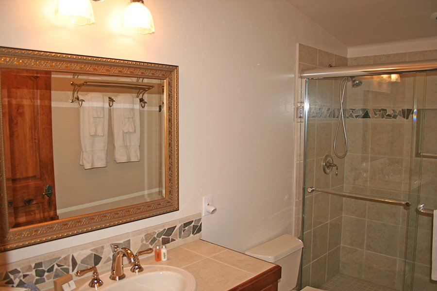 Trail View Lodge: Master Suite #3 Bathroom
