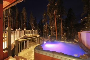 Soothing Hot Tub Perfect for Relaxing those Muscles
