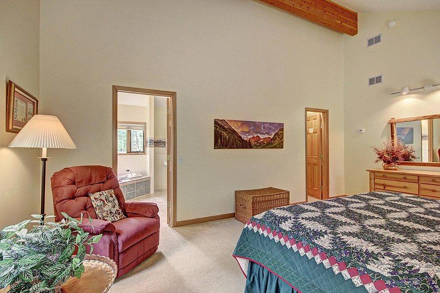 Homestead Retreat: Master Bedroom