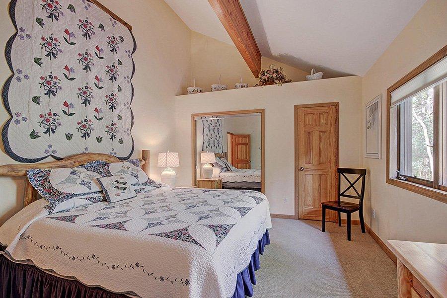 Homestead Retreat: Guest Bedroom #2