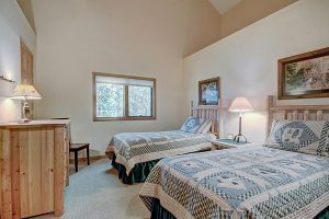 Guest Bedroom #3 with Twin Beds