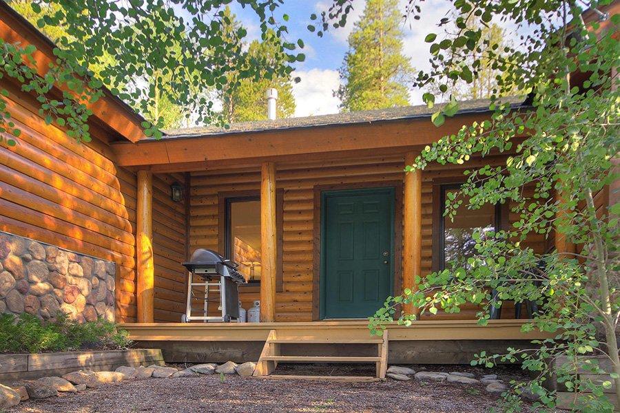 Homestead Retreat: Front Porch