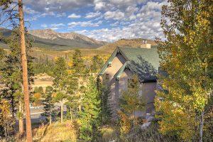 The Beautiful Surroundings of Ten Peaks Lodge