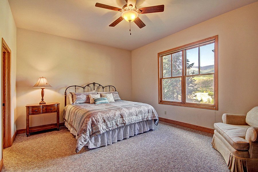 Ten Peaks Lodge: Guest Bedroom #4