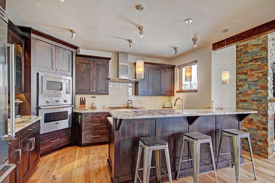 Luxury On Main: Kitchen Bar Seating
